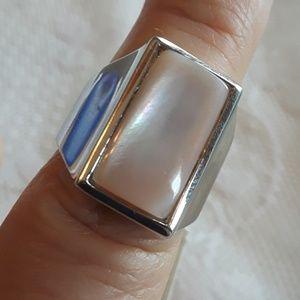 NWT Lia Sophia mother of pearl ring
